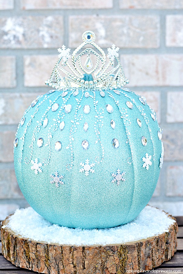 DIY Frozen Elsa Pumpkin @ A Pumpkin & A Princess