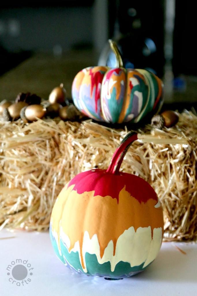 Drip Painting Pumpkins @ Momdot