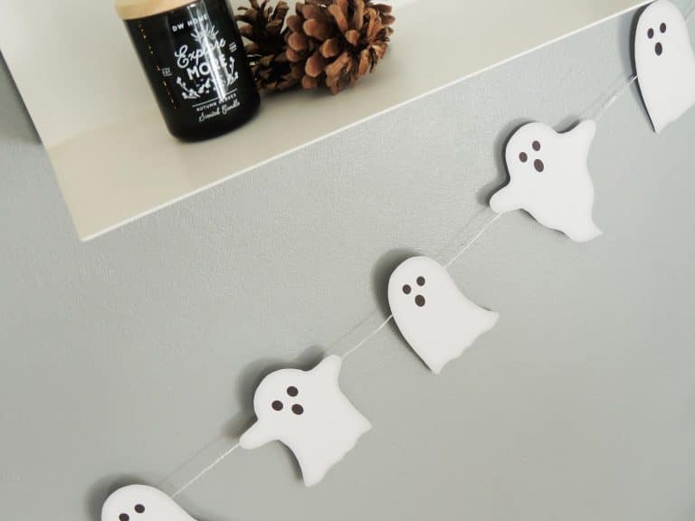 DIY Ghost Bunting for Halloween @ In Two Homes