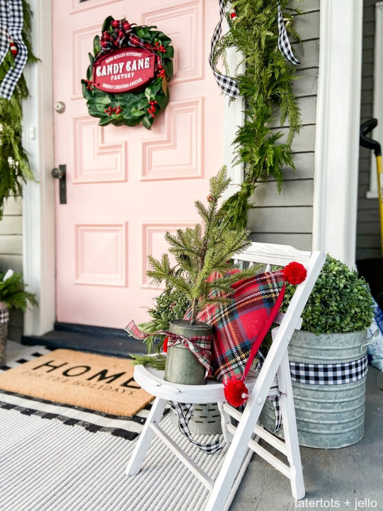 Holiday Home Tour - Festive Porch and Entry! Easy ways to add holiday cheer to your front porch and entryway!