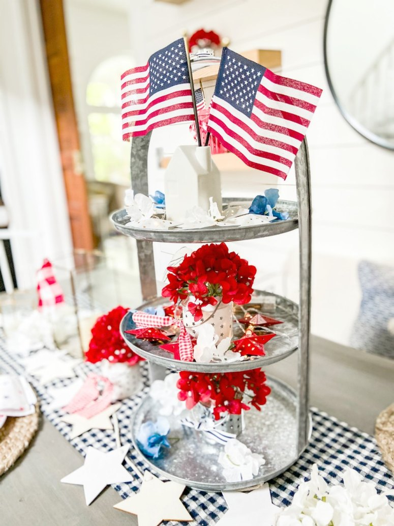 Fourth of July Centerpiece using dollar items
