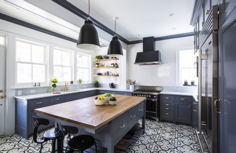 Tiny kitchen with bold style from Glamour