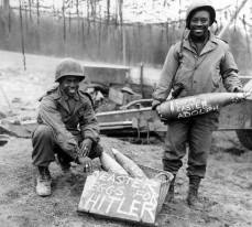 Una buona pasqua speciale da questi soldati americani a Hitler.
