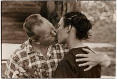 Richard e Mildred Loving, ovvero un uomo bianco e una donna di colore che si sposarono nell'America degli anni '60, un'America in cui gli attivisti per i diritti dei neri venivano spesso assassinati.