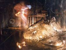 Una delle foto più pericolose mai scattate. Rappresenta l'Elephant's foot, ovvero una massa radioattiva proveniente dal disastro nucleare di Chernobyl.