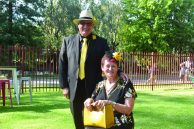 Murray Long and Trish Betts were beautifully paired in their black and yellow outfits.