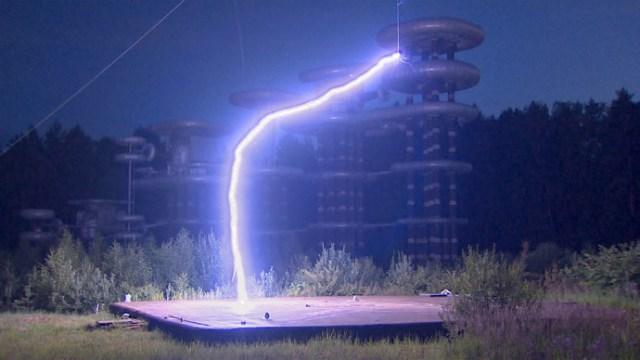 tesla-marx-generator-lightning.si_