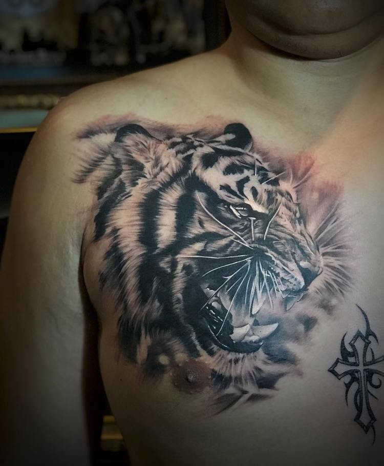 growling tiger chestpiece by onal seminyak tattooer