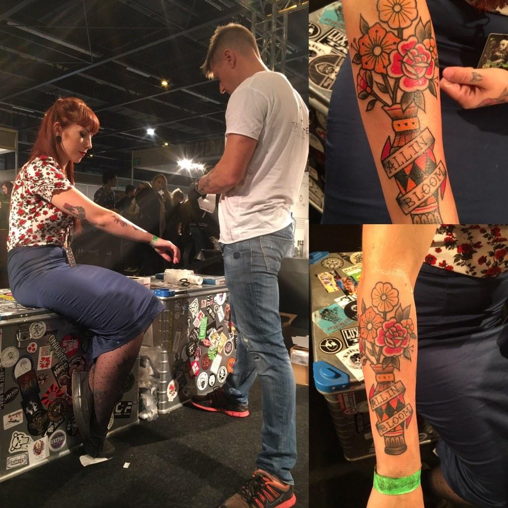 Op tattoo conventie plakken we heel veel tattoos