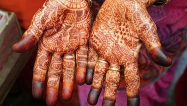Hd henna hands tattoo art design and meanings  Best Henna Tattoo (or) Temporary tattoo images for young generations Hd henna hands tattoo art design and meanings