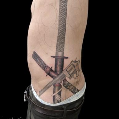拳銃 日本刀 gun katana japanese sword