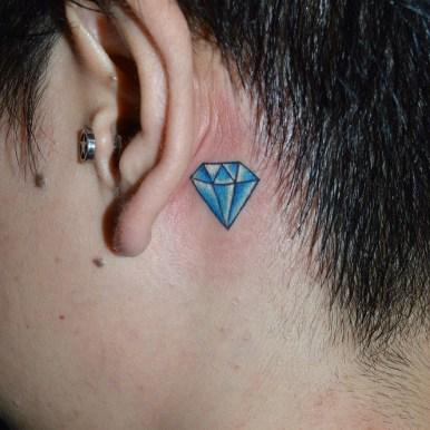 jewel diamond 耳裏