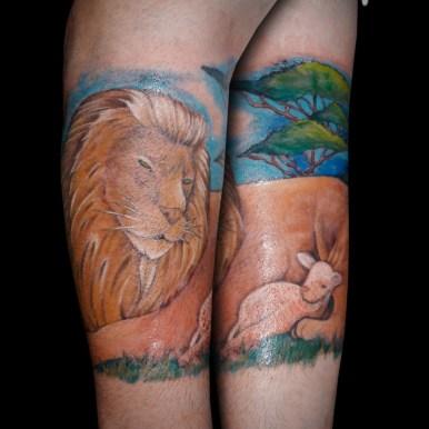 ライオン 子羊 lion lamb