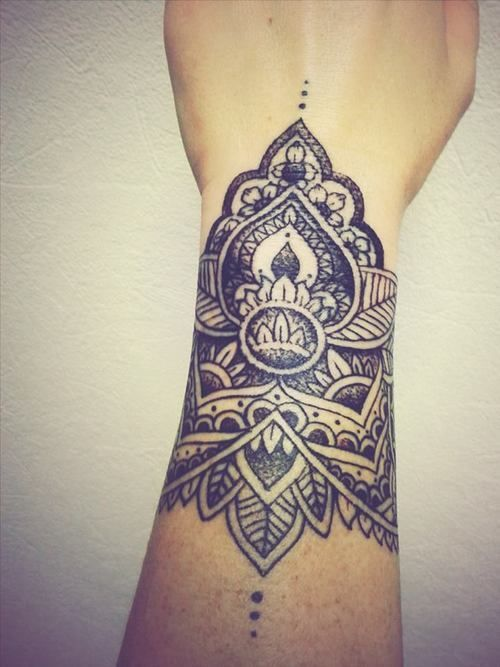 Très beau tattoo bien gravé sur l'avant-bras