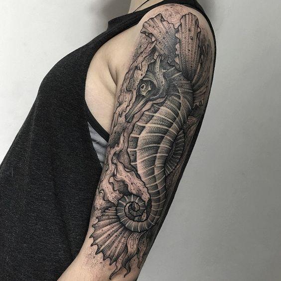 tatouage bras homme, Tatouage bras homme : Top 35 modèles fabuleux de tattoo pour vous inspirer !