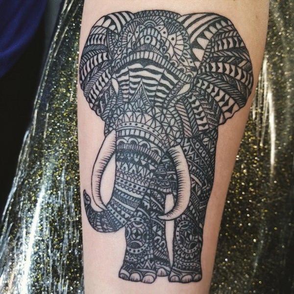 10200916-tatouages-éléphants