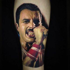 , Tatouage Freddie Mercury: idées et conseils  (En images)