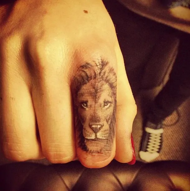 Cara Delevingne Shows Off Made In England Tattoo Ideas And Designs
