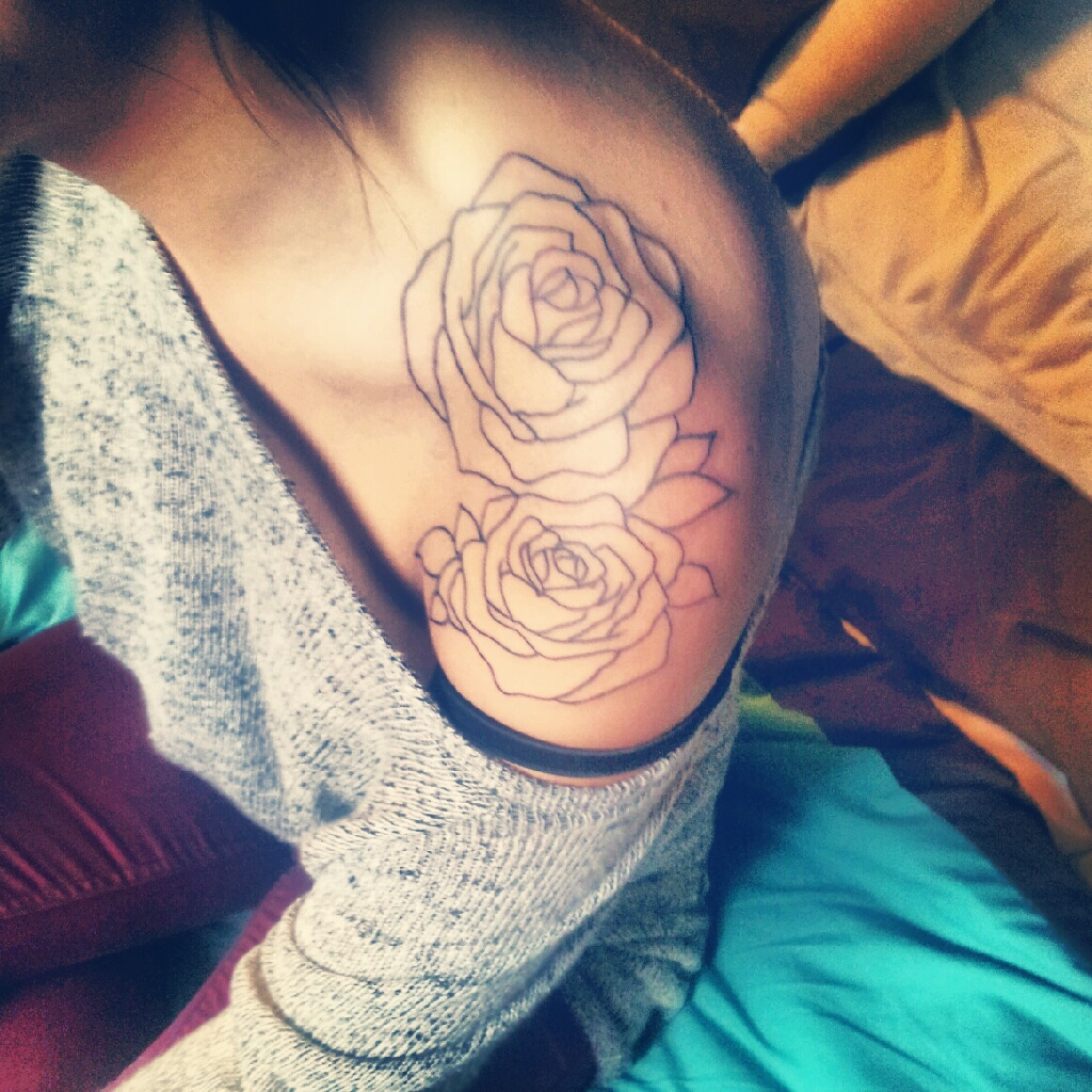 65 Trendy Roses Shoulder Tattoos Ideas And Designs