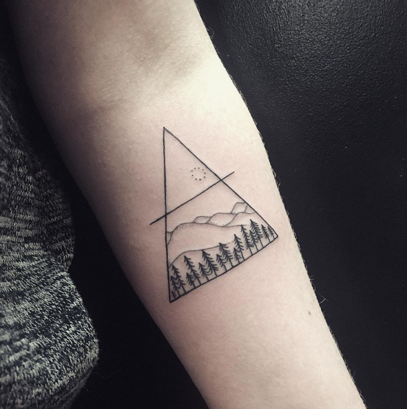 Below The Sky Triangular Tattoos That Beautifully Ideas And Designs