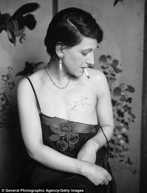 Stunning Vintage Photographs Of Early C20Th Tattoo Artists Ideas And Designs