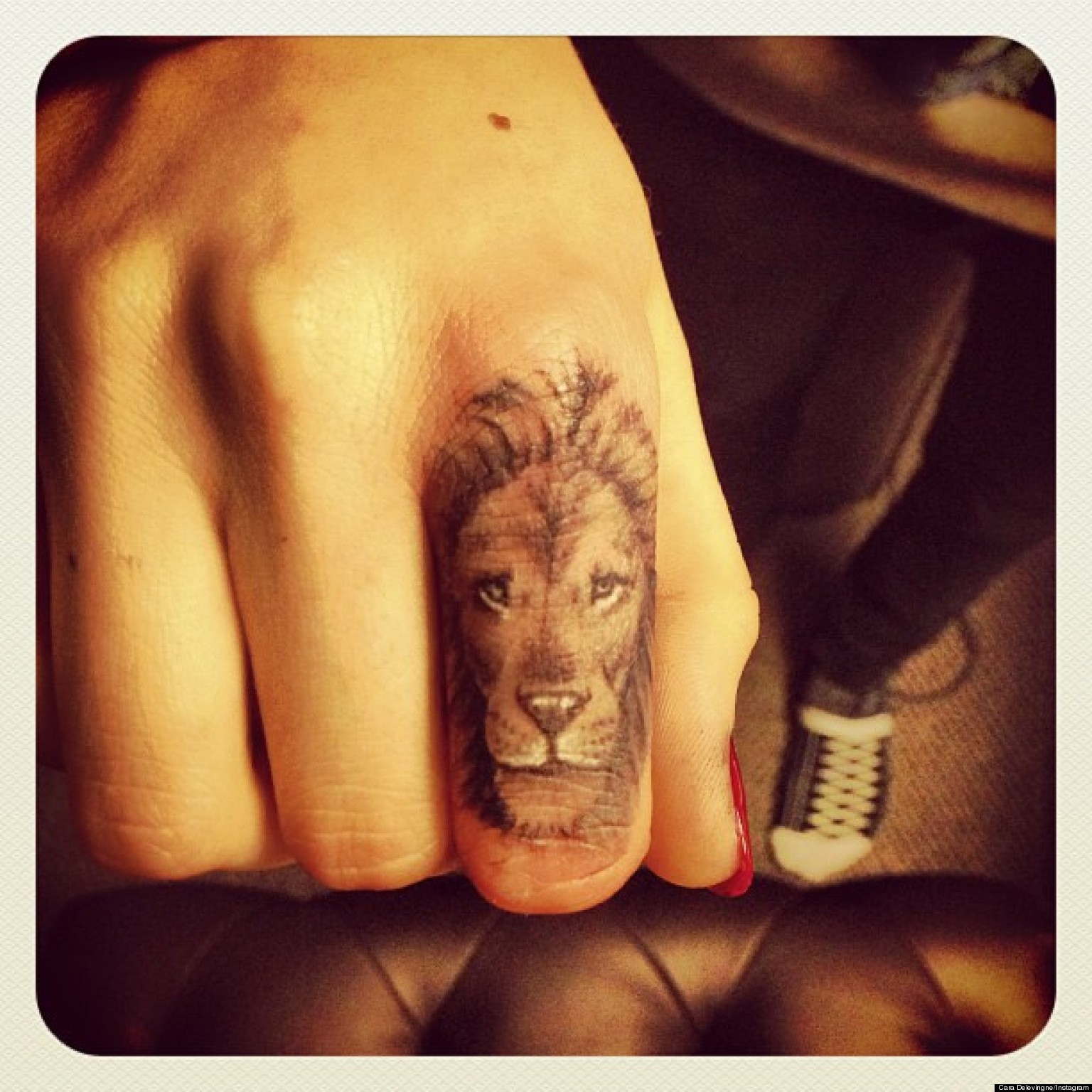 Cara Delevingne Debuts New Lion Tattoo On Her Finger Ideas And Designs