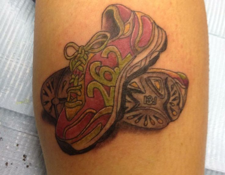 26 2 Zapatillas Tatuajes Running Marathon Tattoo Ideas And Designs