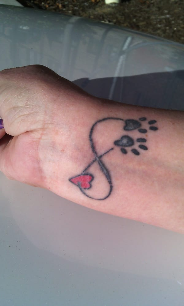 Here Is My Faded Splotchy 5 Month Old Tattoo Yelp Ideas And Designs