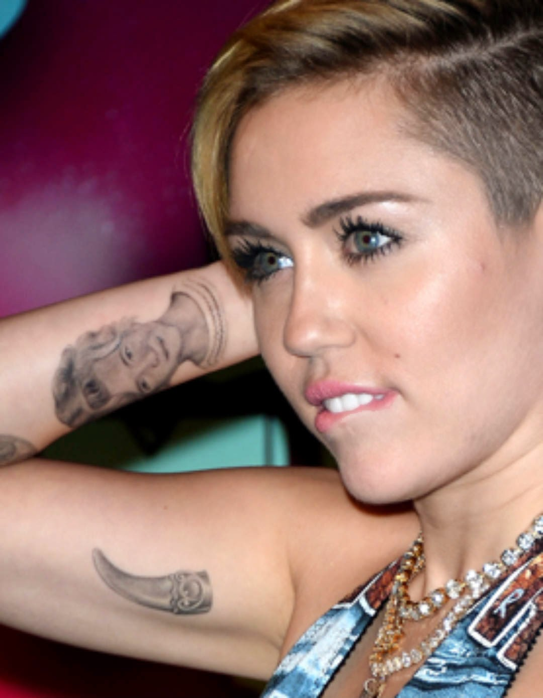 Miley Cyrus Tattoo Hd Images O Wallpaper Picture Photo Ideas And Designs