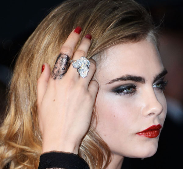 Queen Delevingne Top 10 Cara Moments Of 2013 Ix Daily Ideas And Designs
