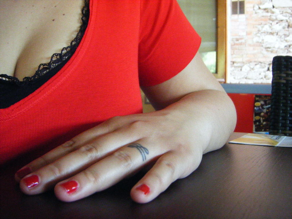 Finger Tattoo Giovanna R Flickr Ideas And Designs