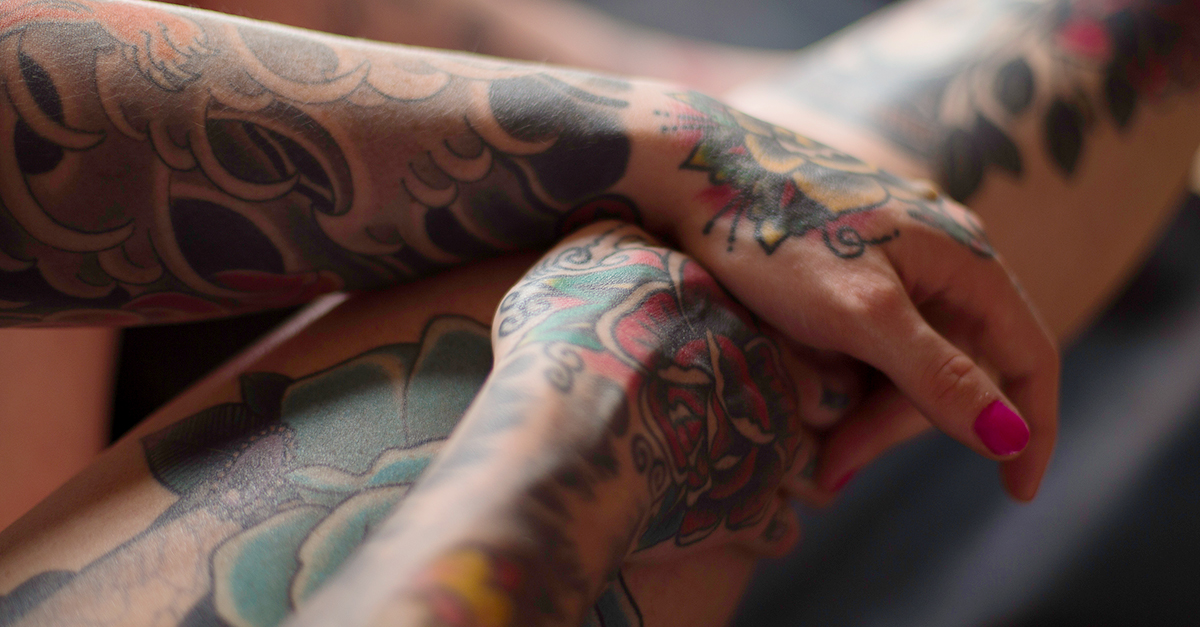 19 Remarkable Photos That Show How Tattoos Age And Degrade Ideas And Designs