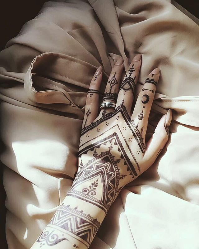 17 Best Ideas About Black Henna On Pinterest Henna Hand Ideas And Designs