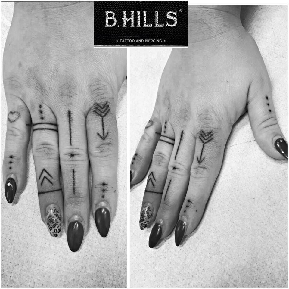 Line Fingers Hand Dot Tattoo Handtattoo Black Ideas And Designs