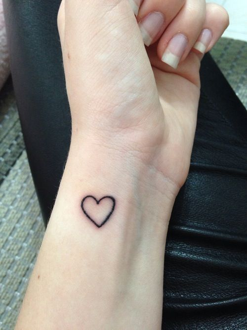 23 Simple Heart Tattoo Images Pictures And Designs Ideas And Designs