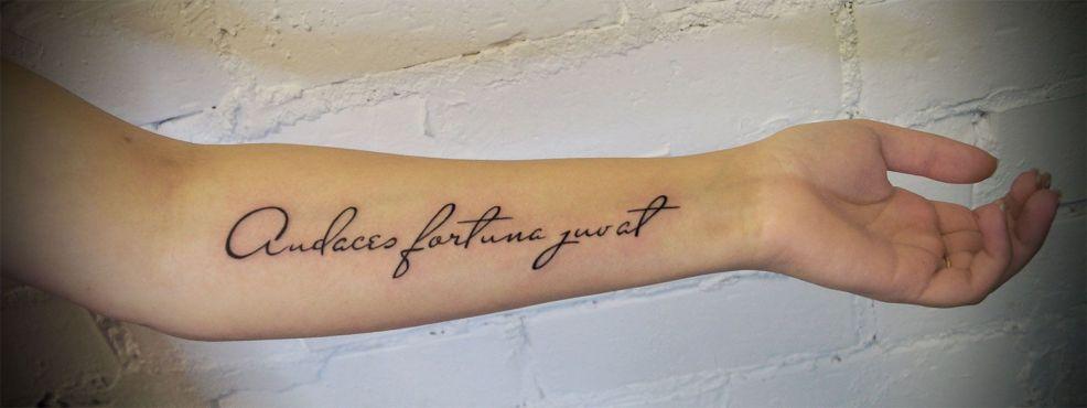 тату надписи для девушек и мужчин фото татуировок с надписями