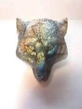 Tête de loup en labradorite