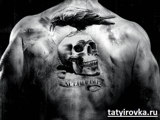 Черно-белые-татуировки-и-их-значение-8
