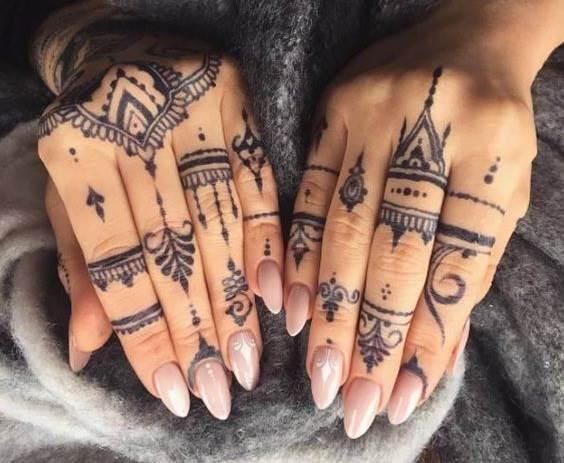 Тату-на-пальцах-Значение-виды-и-эскизы-тату-на-пальцах-4