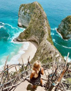Ubud, Gianyar Bali Indonesia - Azure, Beach, Body of water, Coast, Coastal and oceanic landforms, Natural landscape, Ocean, Outdoor structure, Person, Promontory, Rock, Shore, Water