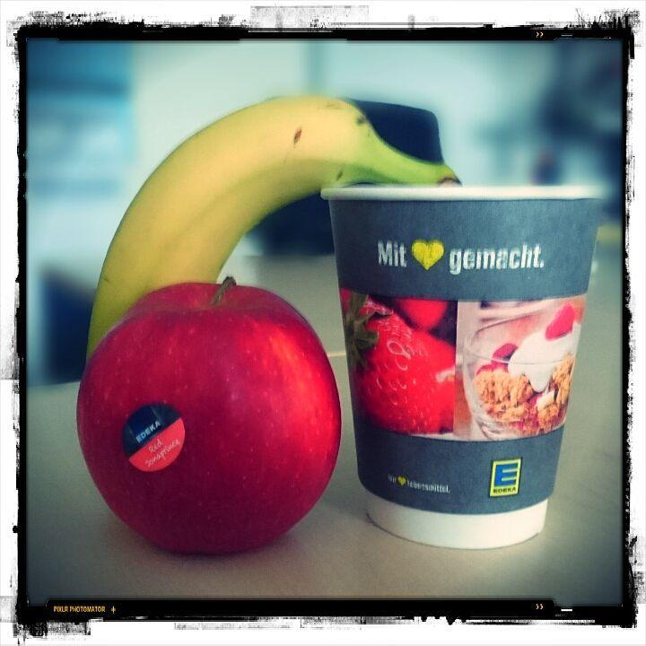 Breakfast - Banana, apple, black coffee