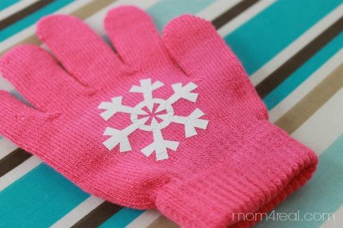 DIY Snowflake Texting Gloves