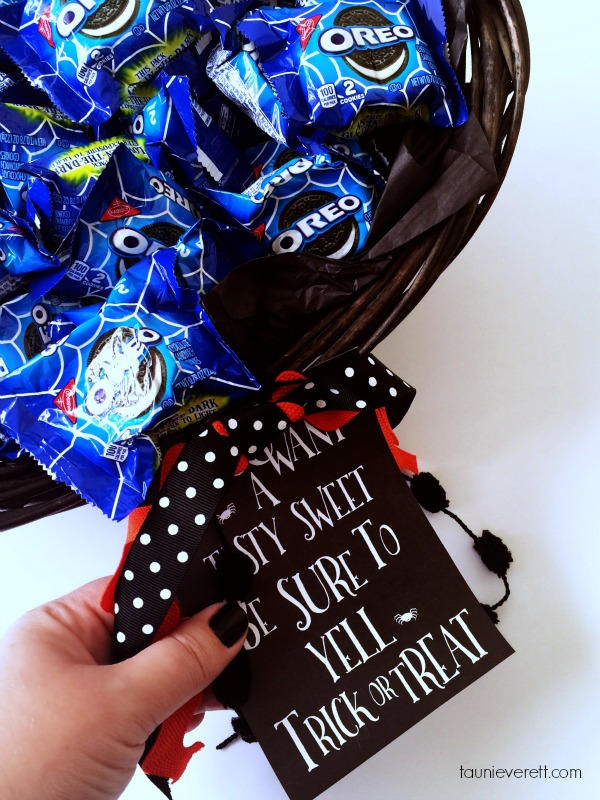 Love this Halloween printable for treat baskets and it's free!