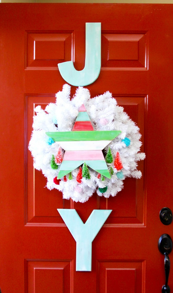 simple-joy-vintage-christmas-wreath-1
