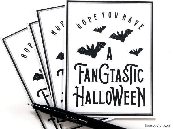 Fangtastic Halloween Printable. This free Halloween printable gift tag is perfect for tying on to a simple gift to celebrate the season! #halloween #halloweenprintable #halloweengifttag #halloweengift