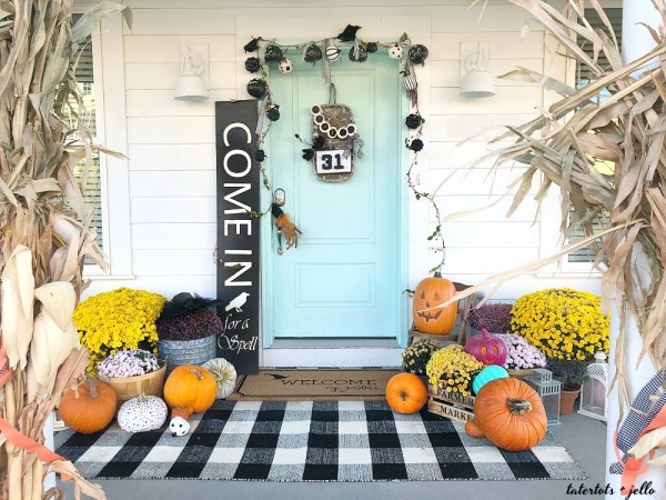 Welcome my pretties halloween porch