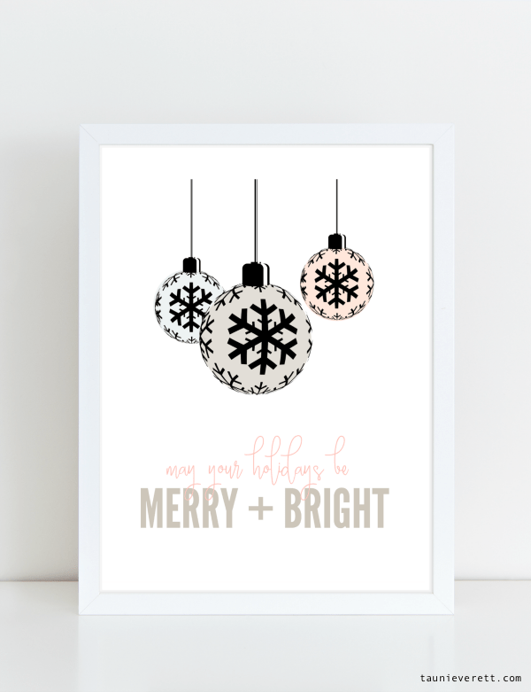 Merry and Bright Christmas Holiday Printable Art. These prints are available for immediate download. #holiday #christmas #holidayprintable #chrismtasprintable #printable #printableart