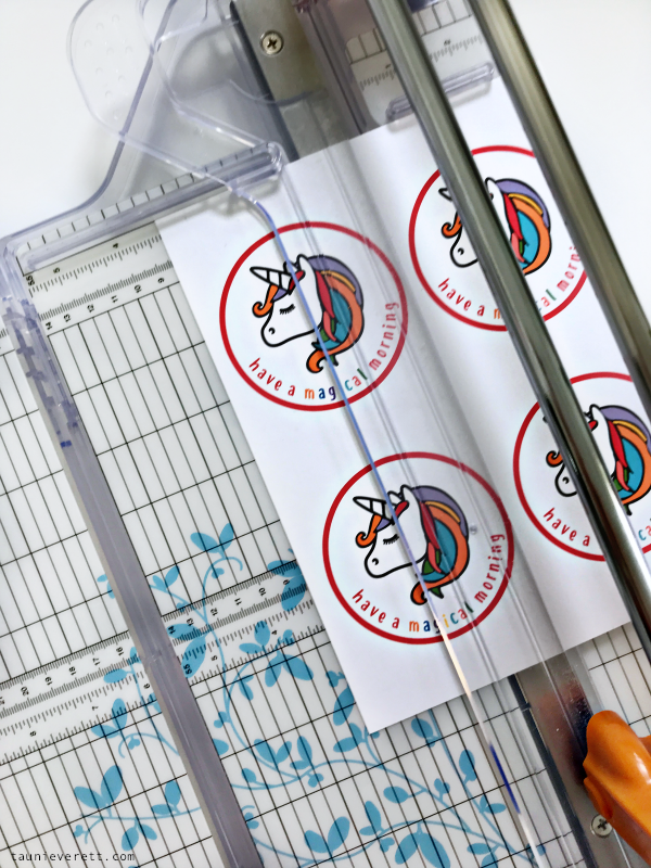 Magical morning unicorn printable gift tag. Perfect for getting kids out of bed and excited for the day! #printable #unicorn #cereal