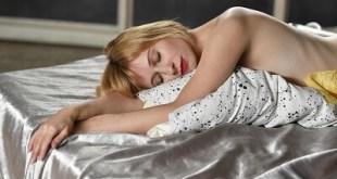 prečo nepoužívať pyžamo a spať nahí