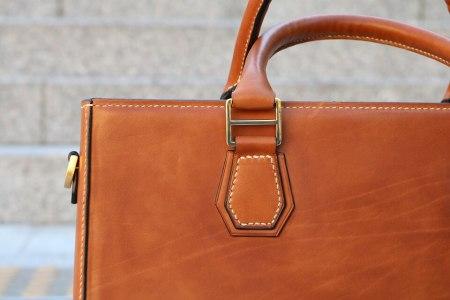 čistenie koženej kabelky